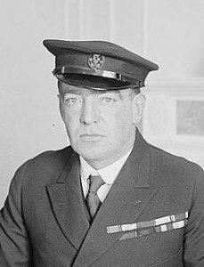 Sir_Ernest_Henry_Shackleton_in_1917_(cropped)