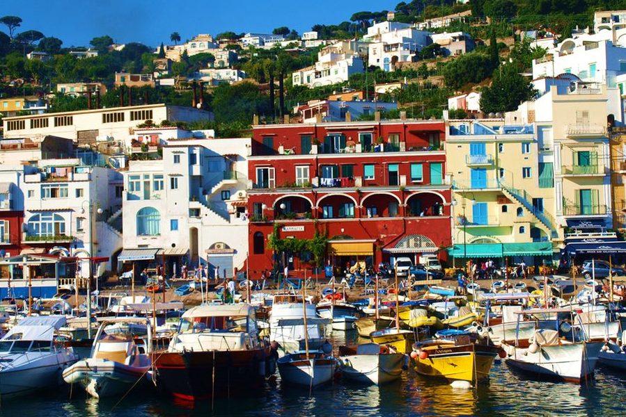 mediterranean-italy-capri-boats-harbor_34907_990x742