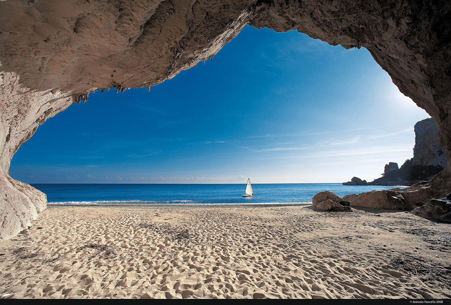 italy-sardinia-cala-luna-beach