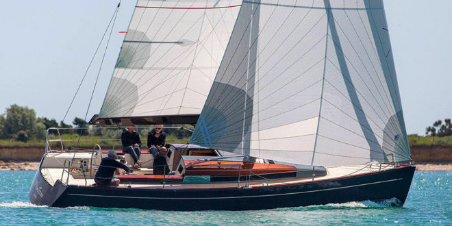 The first two Tofinou 10.c were sailing together: matter of style!