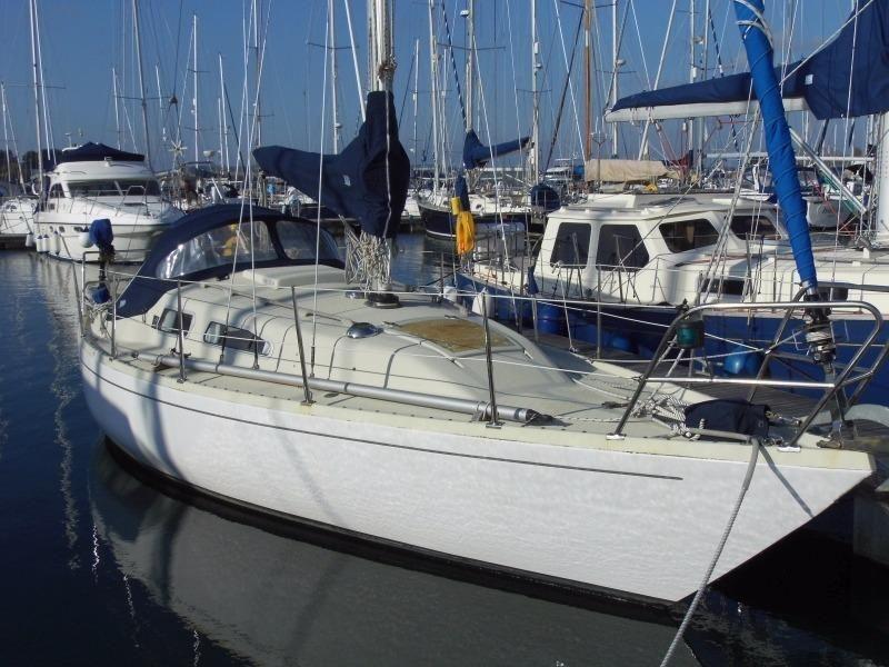 9 Cruiser Sailboats Under 30 Ft We Love
