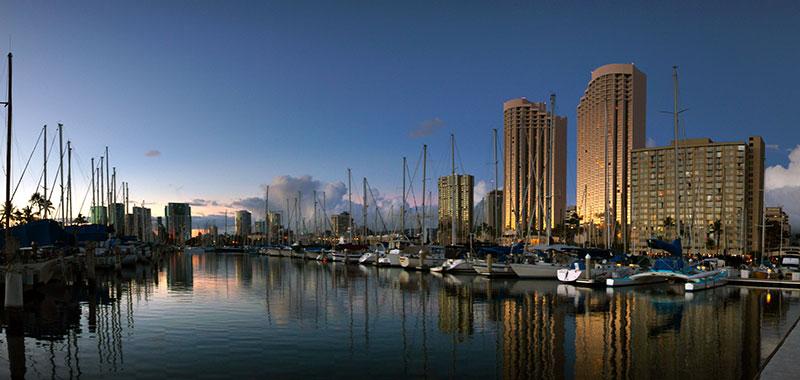 Ala_Wai_Harbour_Honolulu._(10705248976)